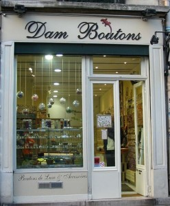 Dam Boutons