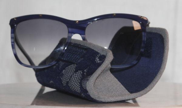 Brillenentui mit Sonnenbrille