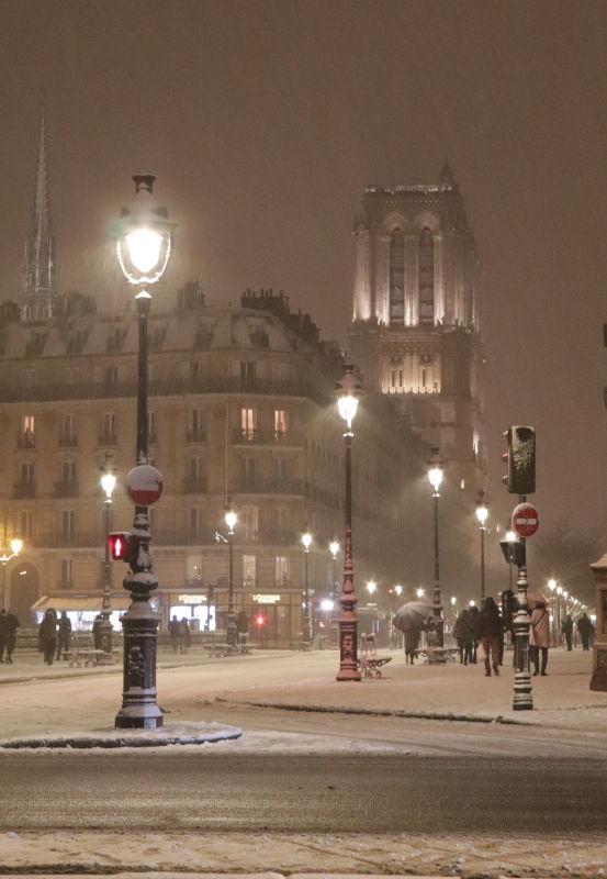 Pont de l'Archeveche im Schnee