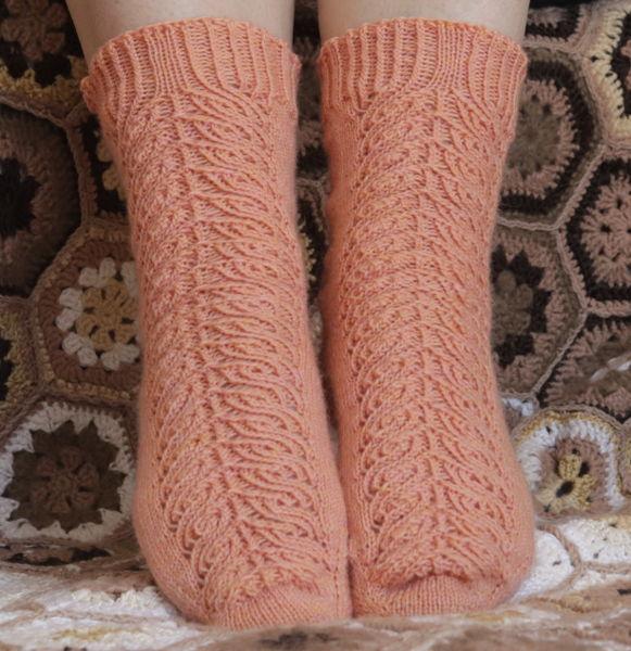 Socken mit Strukturmuster