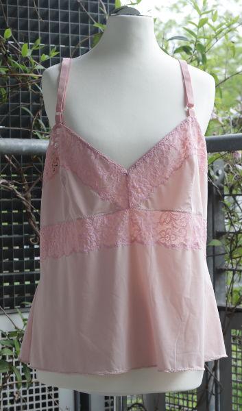 Hemdchen in rosa nach Butterick B6031