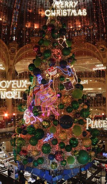 Weihnachtsbaum 2018 in den Galeries Lafayette
