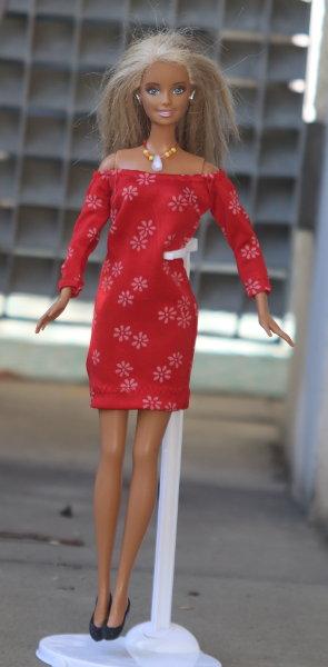 rotes Kleid für Barbie