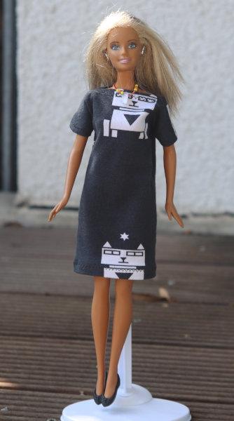 Barbiekleid aus Astrokatze