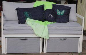Kissen auf Terrassensofa