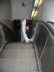 Stofftransport über die Rolltreppe