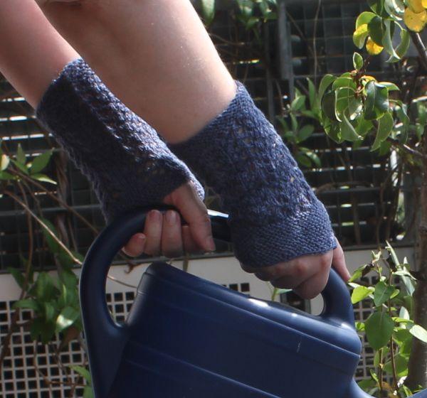 Pulswärmer mit Lace Muster in Blau