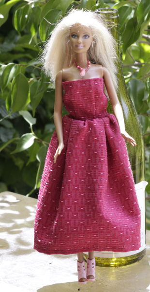 Barbie in rotem Kleid