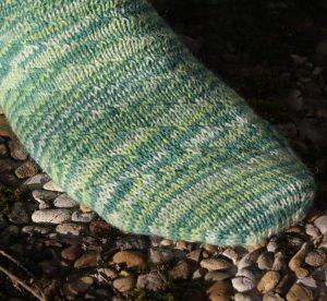 grüne Socken mit HEbemaschen, Detailaufnahme