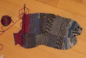 fast fertige Socken