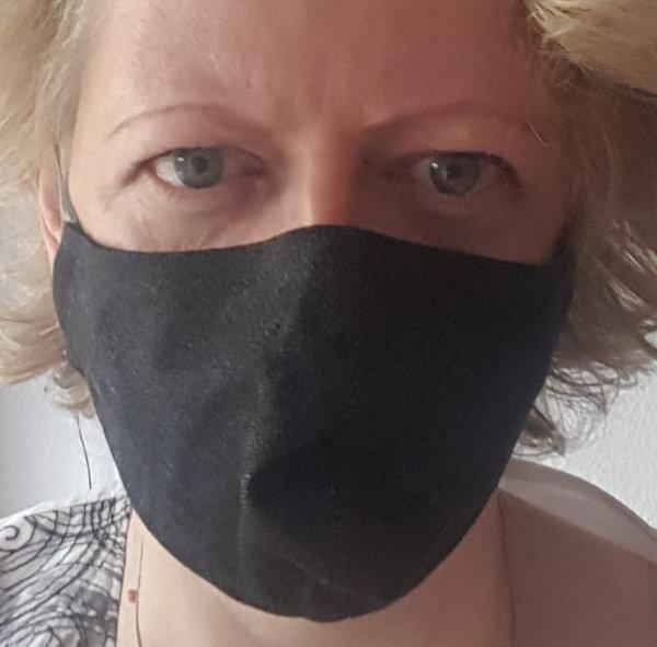 Maske aus Jeanstoff