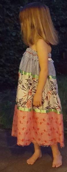 Kindrkleid aus Schal